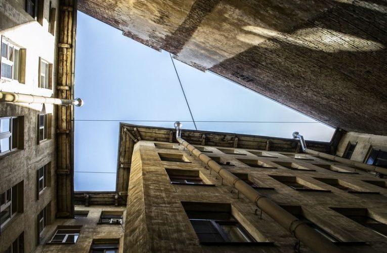Онлайн-экскурсия «Обратная сторона Петербурга»
