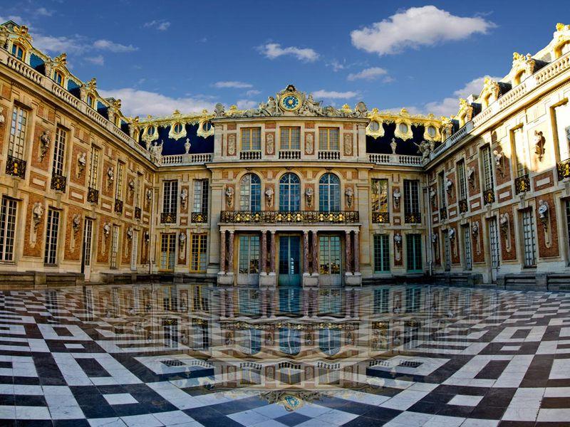 Версаль — от карточного дворца до столицы французского королевства